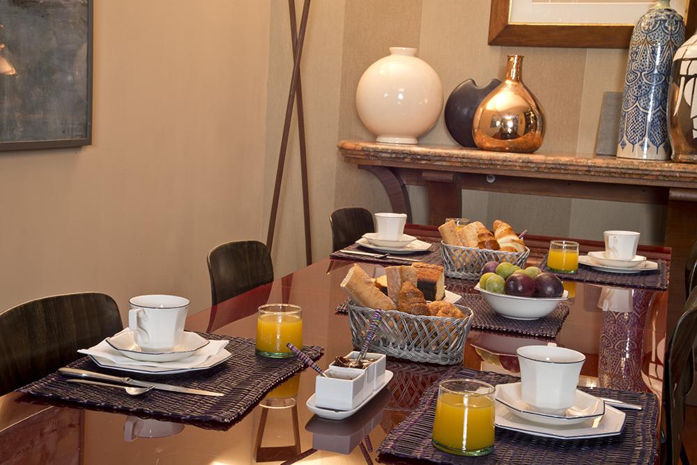 la salle manger les chambres de l 39 abbaye. Black Bedroom Furniture Sets. Home Design Ideas